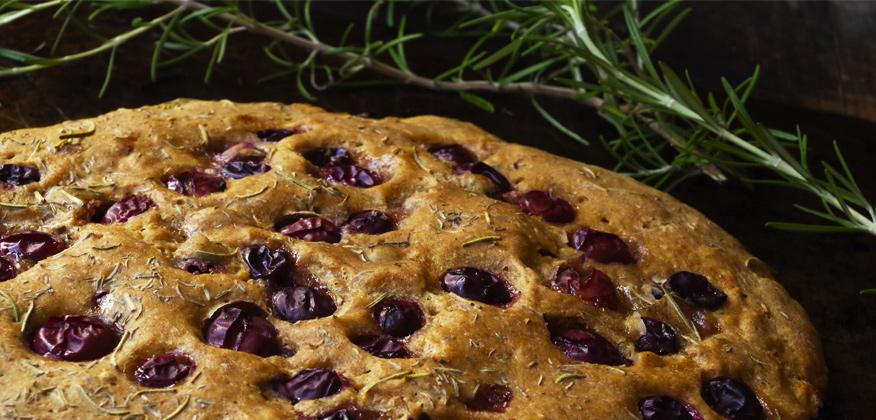 Article Focaccia aux raisins thym et romarin